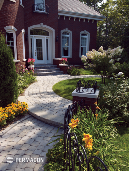 This rustic paver creates a warm and simple decor